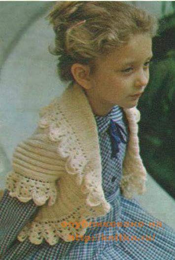 Основное вязание выполнено на спицах резинкой 2=2. Болеро для девочки.