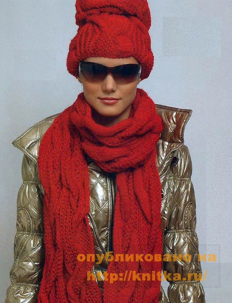 Красный, яркий комплект для хорошего настроения.  Вязаная шапка спицами и шарфик из шерстяной пряжи...