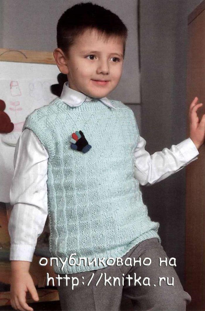 В конце, согласно схемы вязания спицами для малышей, производится сборка изделия.  Для этого прошиваются плечевые и...