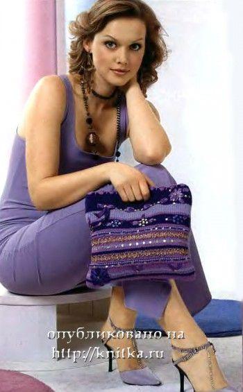 Вязаная сумочка, отделанная вышивкой. Вязание спицами.