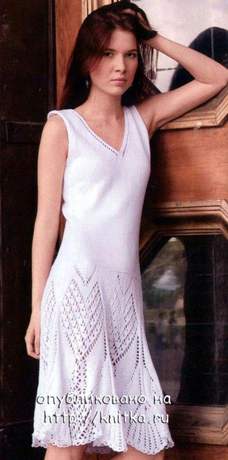 Белое платье на лето, связанное спицами