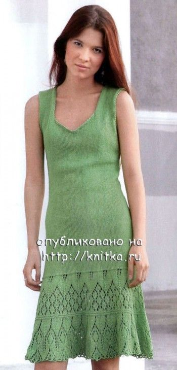 Вязаное зеленое платье. Вязание спицами.