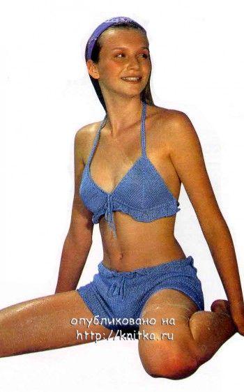 Голубой купальник. Вязание спицами.