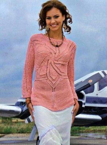 Абрикосовый пуловер, связанный спицами