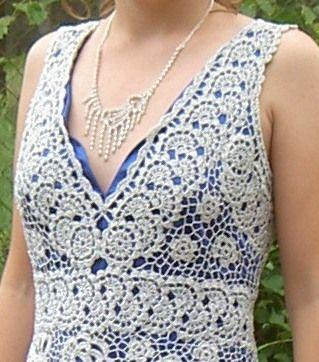 Платье на выпускной связанное спицами