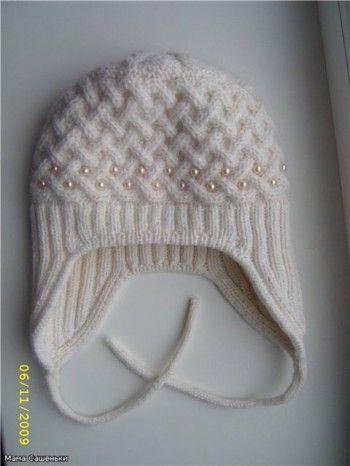 """Тёплая шапочка узором  """"плетёнка """"на подкладке."""