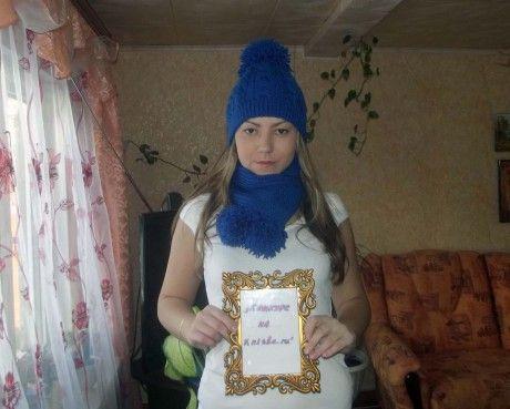 шапка и шарф, связанные спицами
