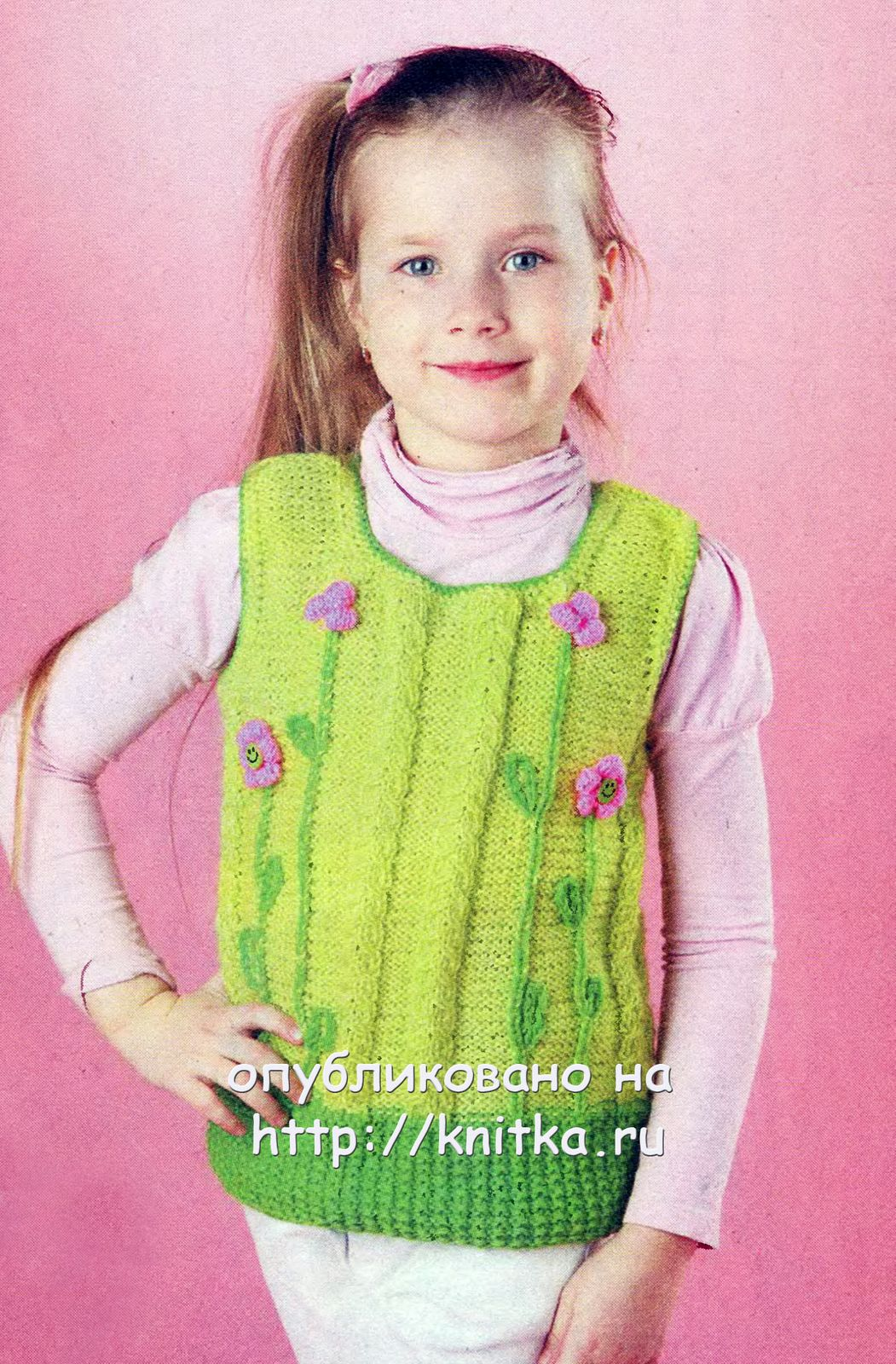 зеленый жилет для девочки с цветами вязание для детей