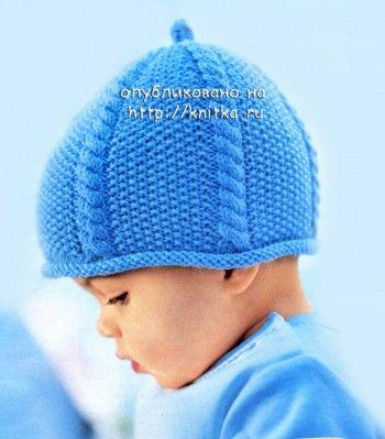 голубая шапочка, связанная спицами
