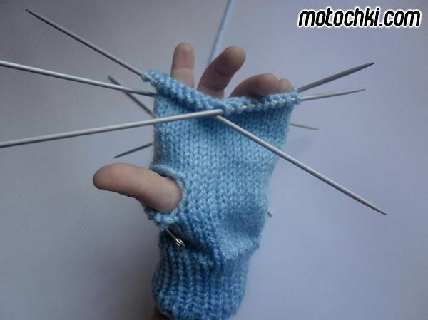 Схема вязание спицами перчатки.