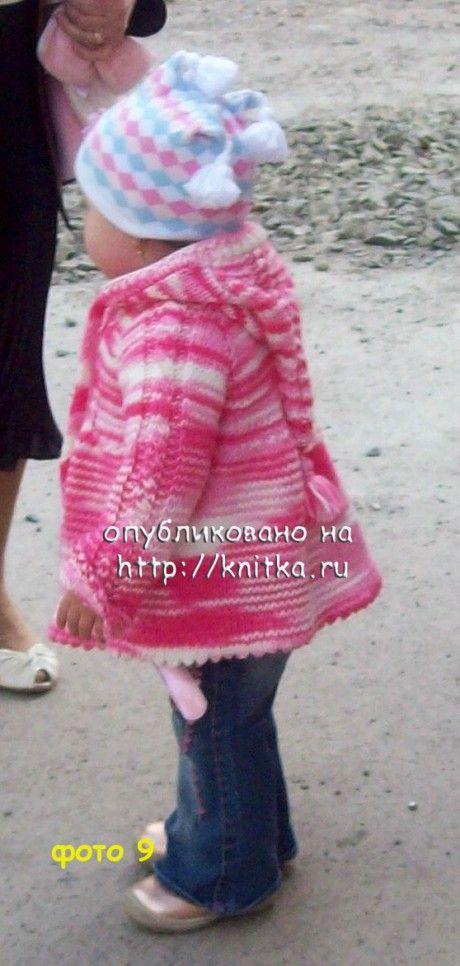 Детское пальто с капюшоном