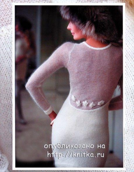 Платье-футляр связанное спицами