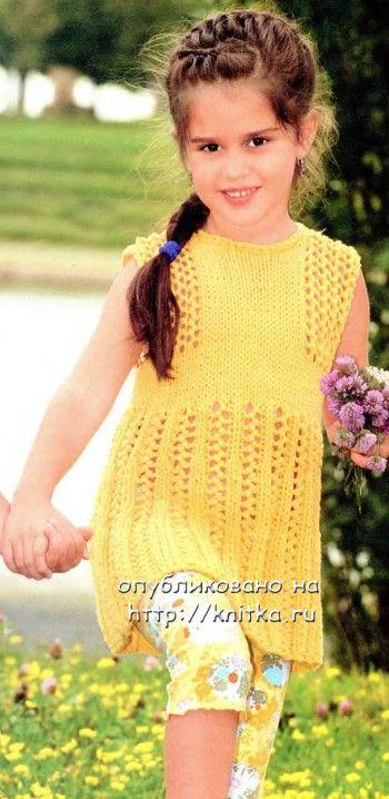 Желтая туника/платье для девочки. Вязание спицами.