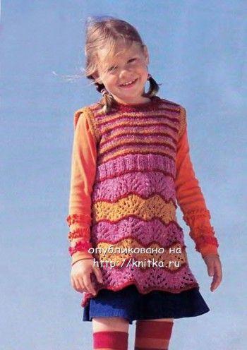 Разноцветное платье для девочки. Вязание спицами.