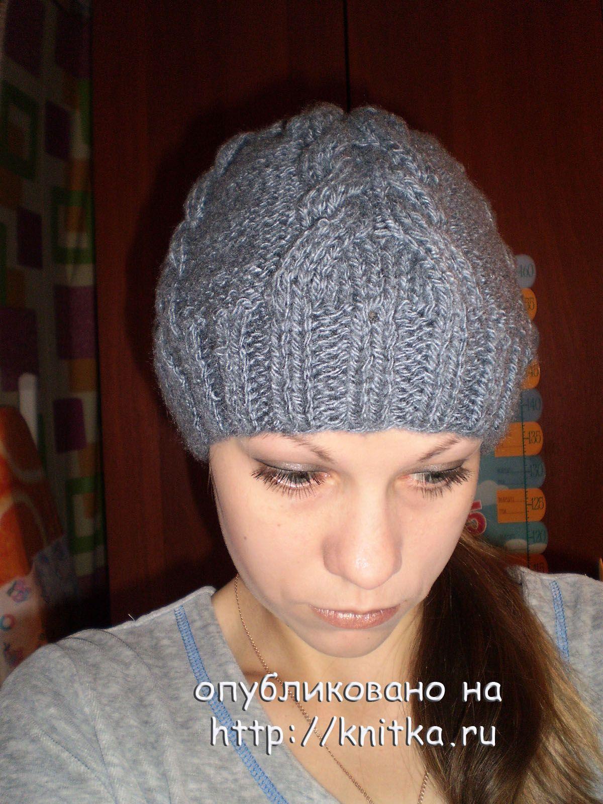 Связать шапку косами для женщины