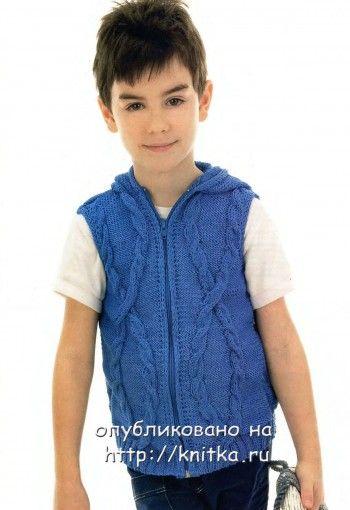 Вязаный жилет для мальчика. Вязание спицами.
