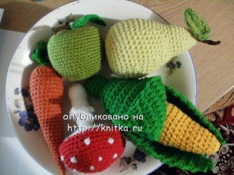 Схемы овощей, связанных крючком часть 1, часть 2. Овощи, фрукты и мухомор.Связано крючком на заказ для детского сада.