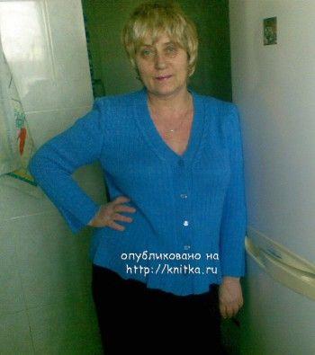 фото вязаной спицами женской кофточки