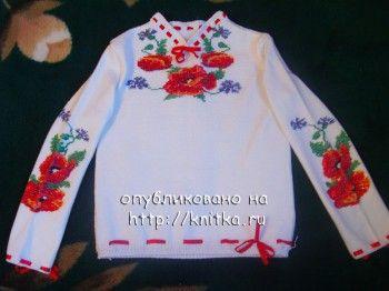 фото вязаной кофточки с вышивкой