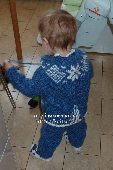фото вязаного детского костюма