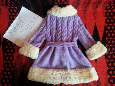 фото вязаного спицами пальто