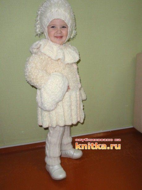 фото вязаного спицами костюма
