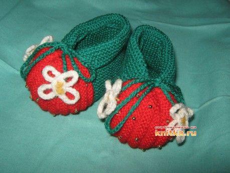 Как украсить связанные спицами пинетки - зефирки: