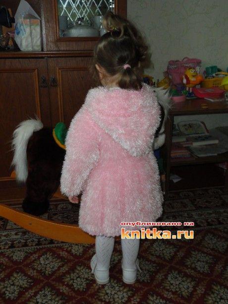 Пальто для девочки из травки, связано спицами