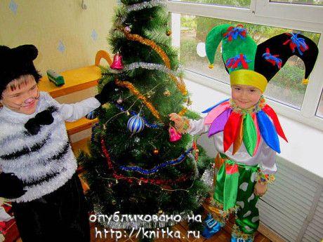 вязаный спицами новогодний костюм фото