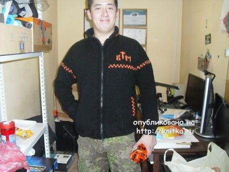фото вязаной спицами мужской кофты