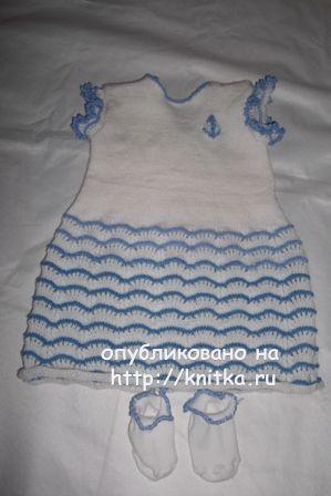 Вязаное спицами платье - работа Анны