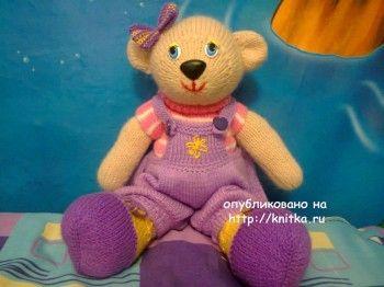 Медведица Эльза связанная спицами - работа Алены