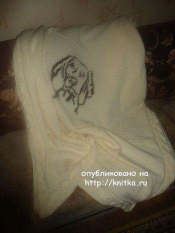 Вязаный спицами плед - работа Лилии