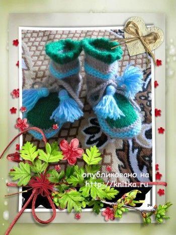 Пинетки и шапочка спицами - работы Марины