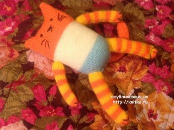 Вязаная игрушка кот - работа Людмилы
