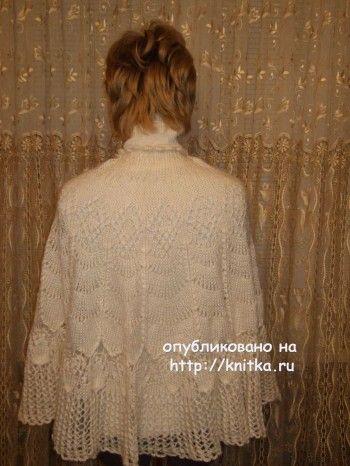 Накидка спицами - работа Марии Казановой