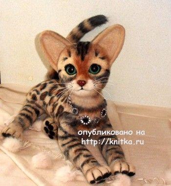 Вязаная игрушка - котенок. Работа Ирины