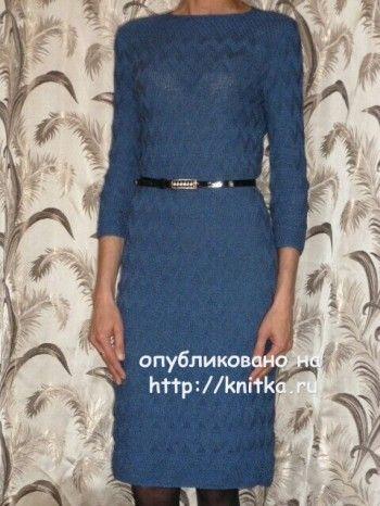 Вязаное спицами платье - работа Марины. Вязание спицами.
