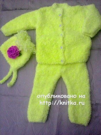 Костюм для девочки спицами - рабоат Ирины Стильник