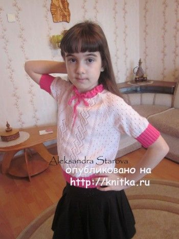 Вязаная кофточка для девочки - работа Александры Старовой