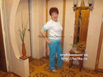 Вязаный женский джемпер - работа Александры Старовой