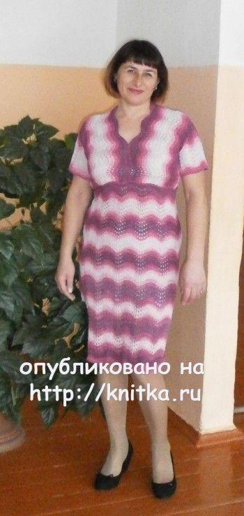 Вязаное спицами платье - работа Наталии Гуторовой. Вязание спицами.
