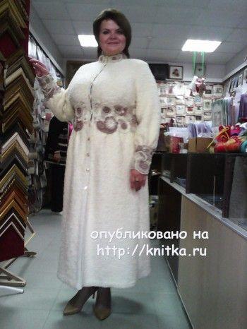 Вязаное спицами пальто - работа Анастасии вязание и схемы вязания