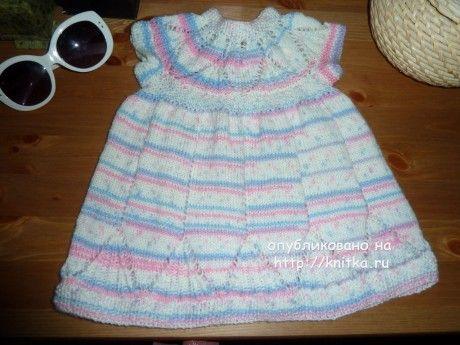 Вязанное спицами платье для девочки. Работа Светланы. Вязание спицами.