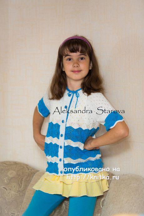 Кофта для девочки спицами с ажурными узорами