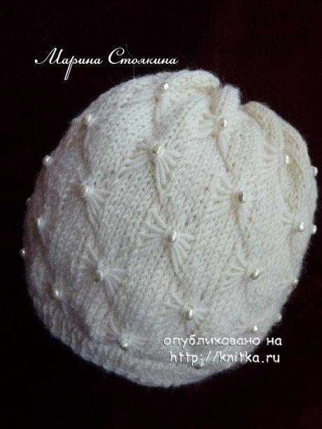 Эффектная зимняя шапочка спицами