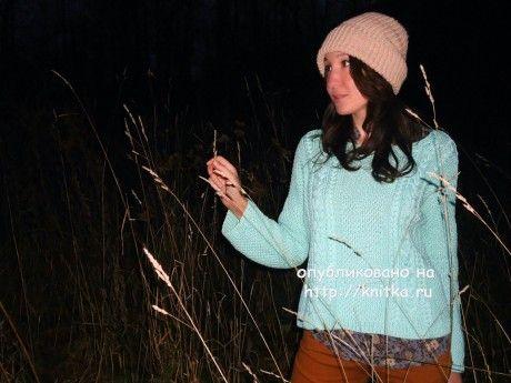 Вязаный спицами свитер. Работа Лилии. Вязание спицами.