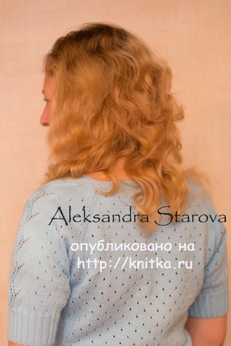 Голубой пуловер спицами. Работа Александры вязание и схемы вязания