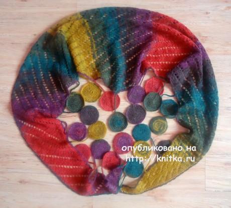 Вязаный шарф - косынка с ажурным узором