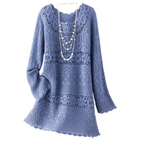 Голубое ажурное платье связано спицами и крючком
